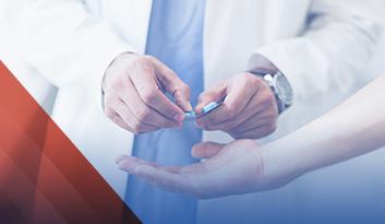 Nurse holding medicine - Medecar
